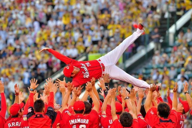 広島サロンではカープ優勝キャンペーン・福岡ではホークス優勝キャンペーン実施中です!