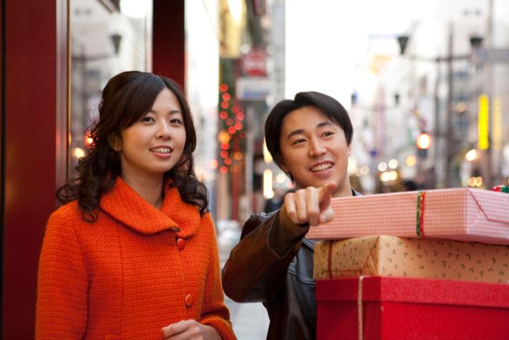 高価はプレゼントは女性を不安にさせてしまう